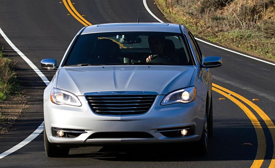 2011 Chrysler 200 - Slide 7
