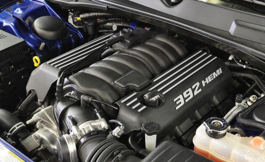 2011 Dodge Challenger SRT8 392 - Slide 20