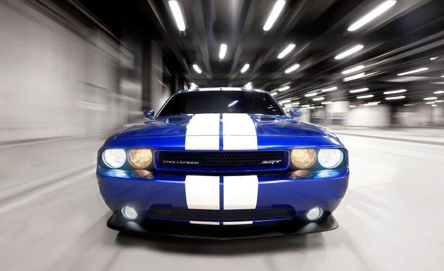 2011 Dodge Challenger SRT8 392 - Slide 8