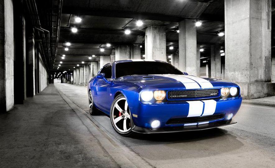 2011 Dodge Challenger SRT8 392 - Slide 10