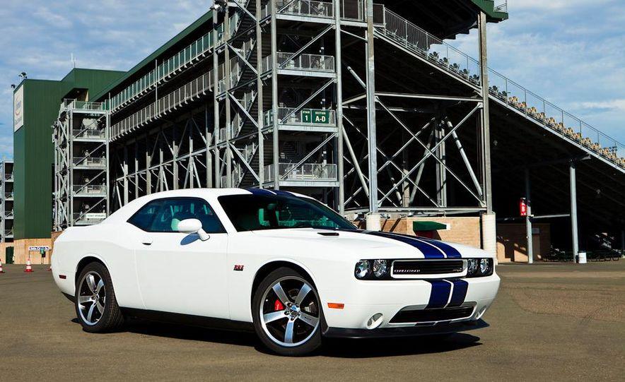 2011 Dodge Challenger SRT8 392 - Slide 2