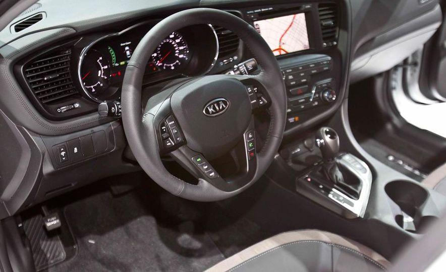 2011 Kia Optima hybrid - Slide 9
