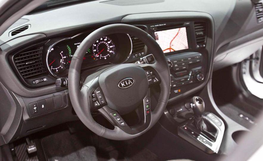 2011 Kia Optima hybrid - Slide 10