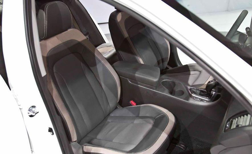 2011 Kia Optima hybrid - Slide 11