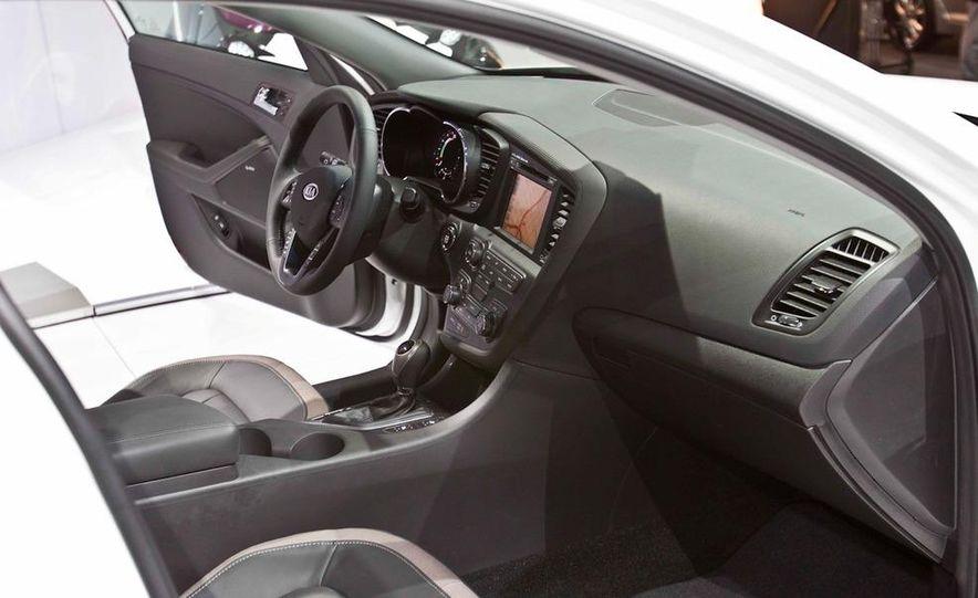 2011 Kia Optima hybrid - Slide 12
