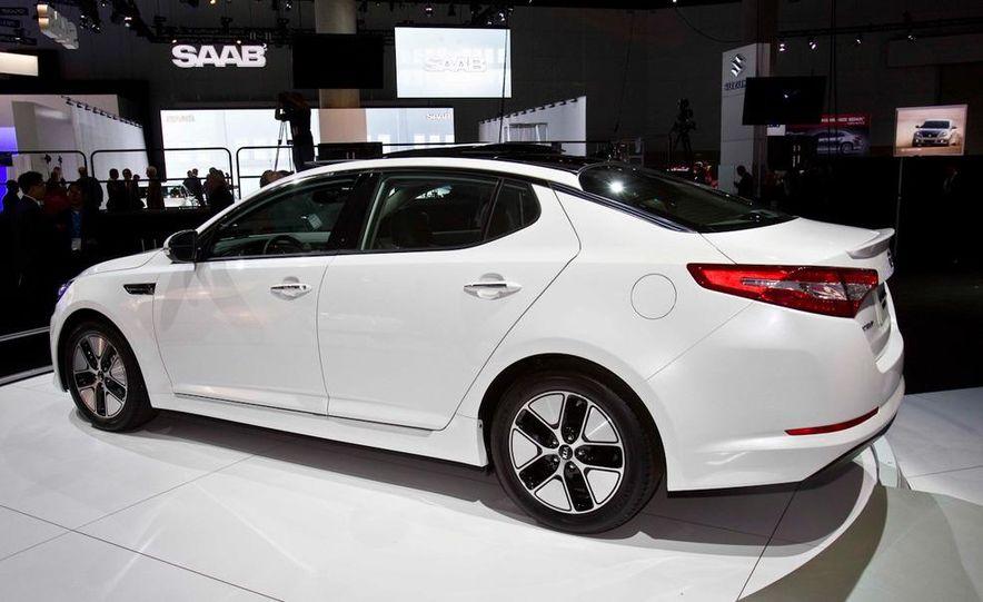 2011 Kia Optima hybrid - Slide 4