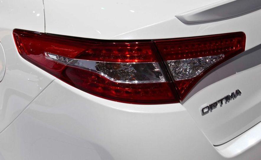 2011 Kia Optima hybrid - Slide 7