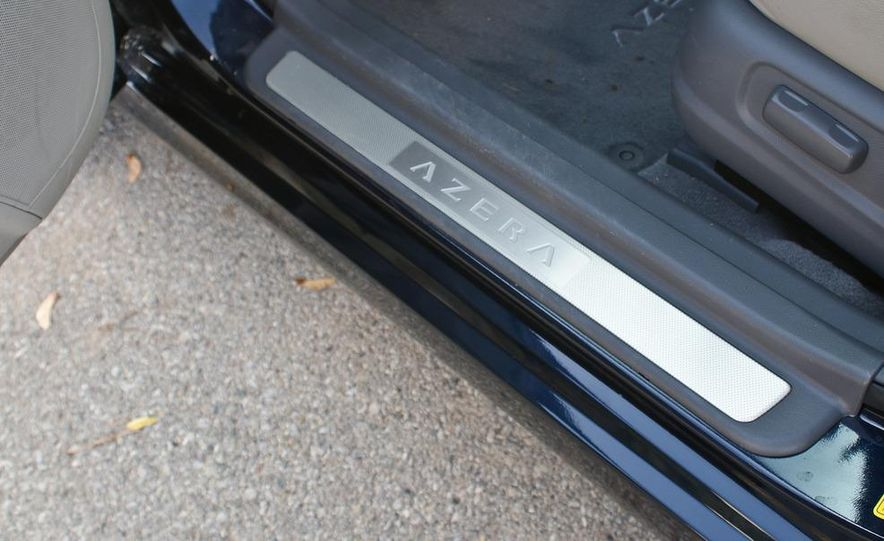 2011 Hyundai Azera Limited - Slide 27