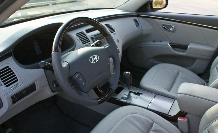 2011 Hyundai Azera Limited - Slide 20