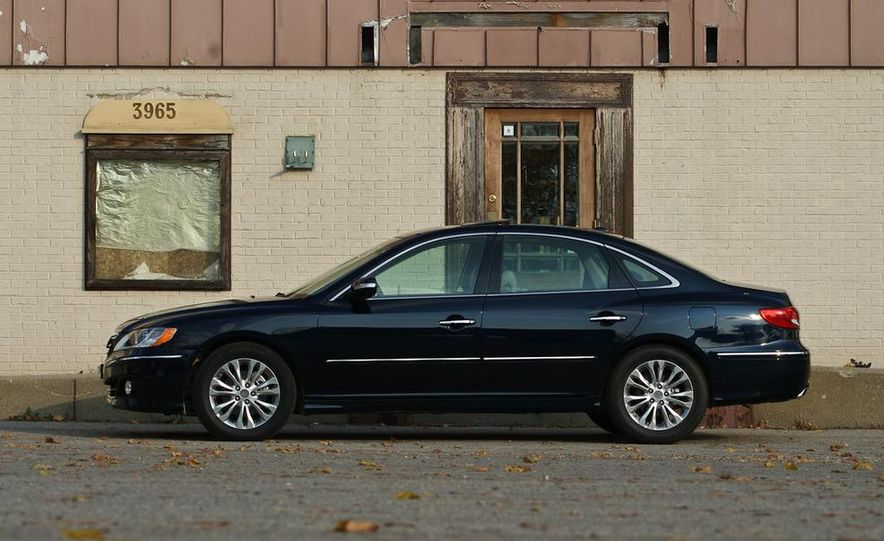 2011 Hyundai Azera Limited - Slide 6