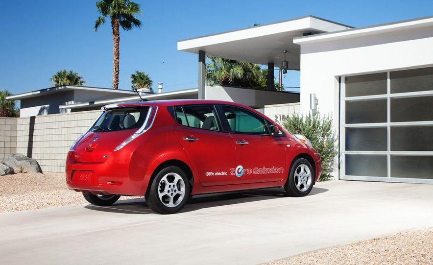 2010 Nissan Altima sedan - Slide 14