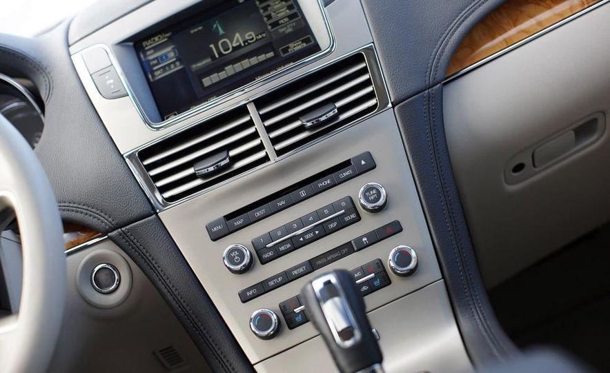 2012 Lincoln MKT hearse - Slide 22