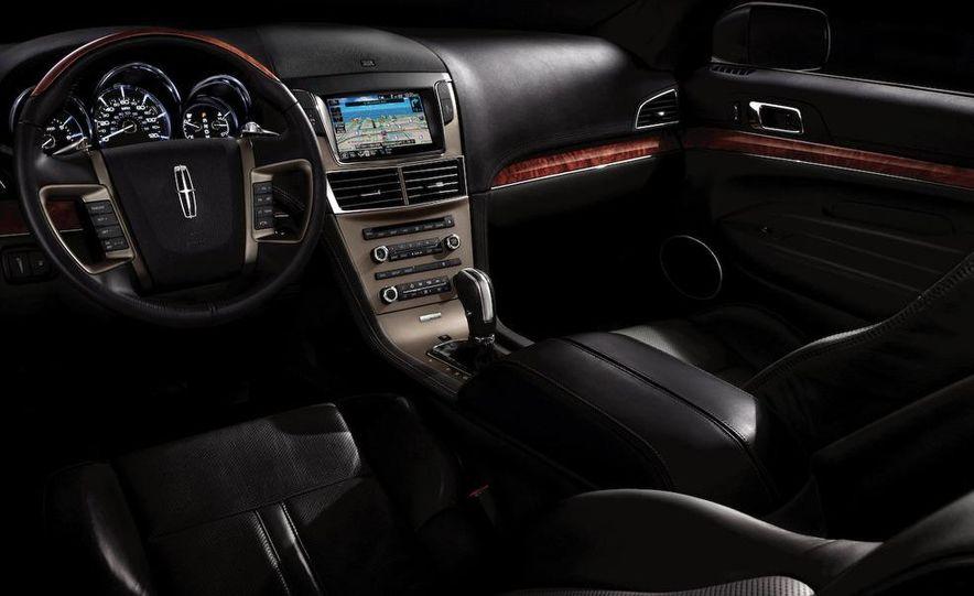 2012 Lincoln MKT hearse - Slide 24