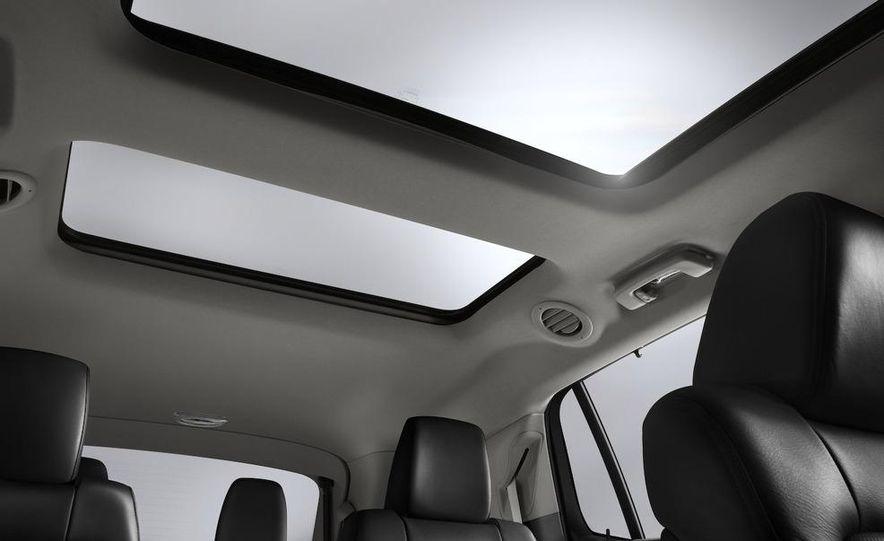 2012 Lincoln MKT hearse - Slide 28