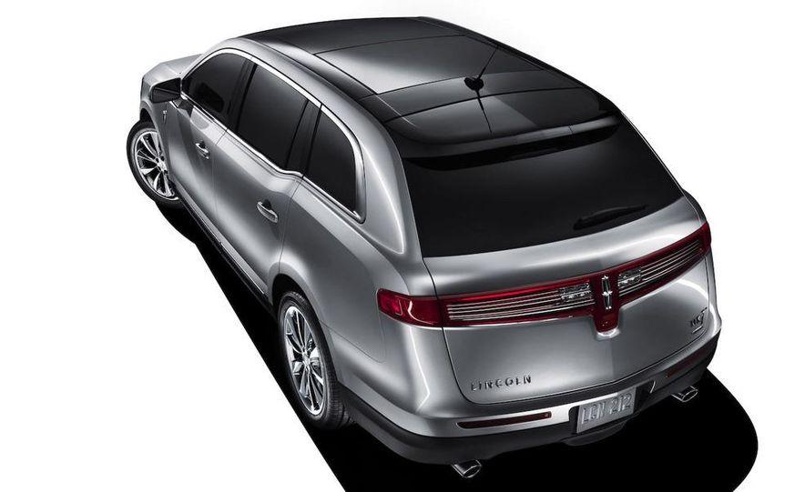 2012 Lincoln MKT hearse - Slide 19