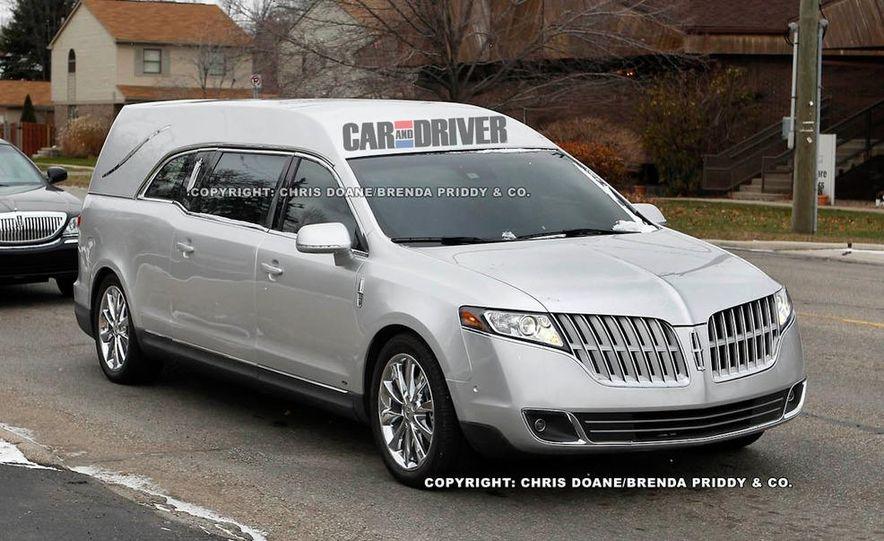 2012 Lincoln MKT hearse - Slide 1