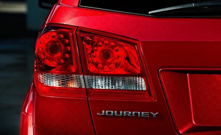 2011 Dodge Journey - Slide 12