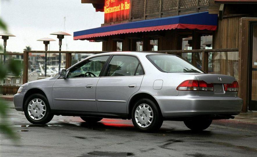 2001 Honda Accord sedan, BMW 5-series sedan, Honda S2000, Audi A6, Porsche Boxster S, Audi TT coupe, Ford Focus ZX3, Chrysler PT Cruiser, BMW 3-series convertible - Slide 48