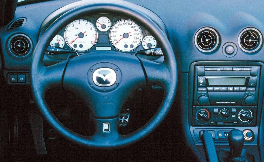 2001 Honda Accord sedan, BMW 5-series sedan, Honda S2000, Audi A6, Porsche Boxster S, Audi TT coupe, Ford Focus ZX3, Chrysler PT Cruiser, BMW 3-series convertible - Slide 58