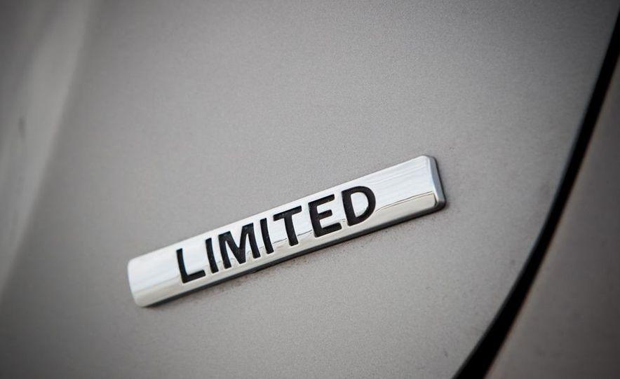 2011 Hyundai Elantra Limited - Slide 16