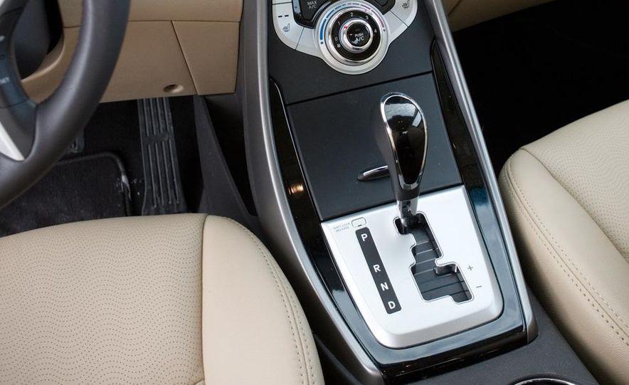 2011 Hyundai Elantra Limited - Slide 29