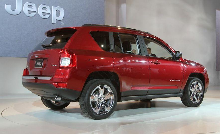2011 Jeep Compass - Slide 1
