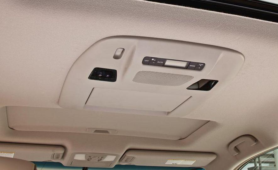 2011 Nissan Quest - Slide 26