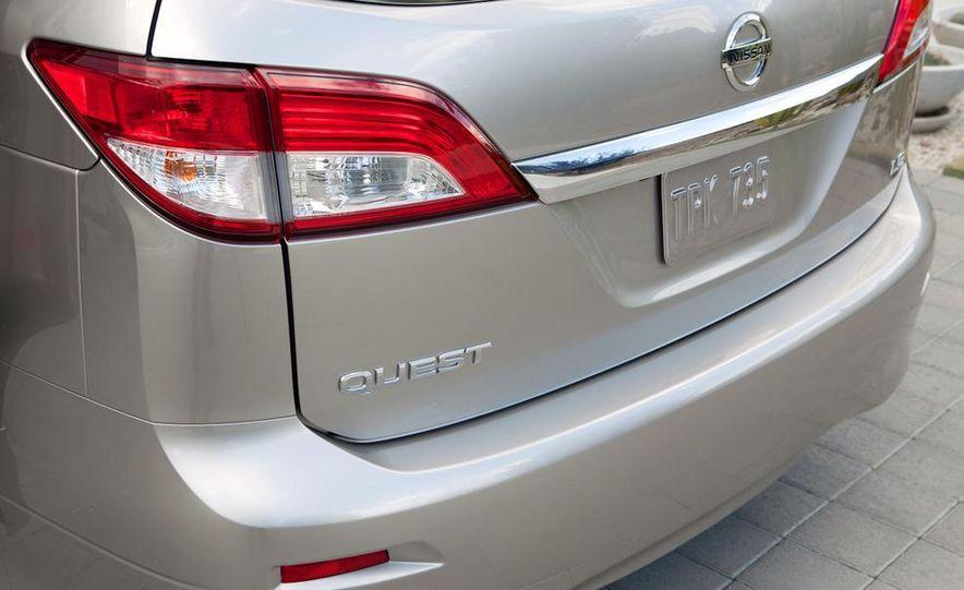 2011 Nissan Quest - Slide 10