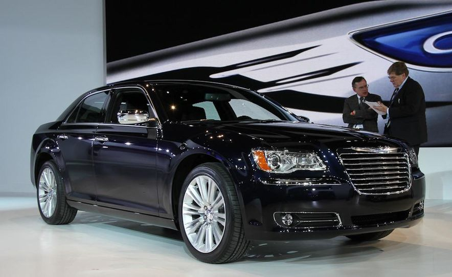 2011 Chrysler 300 - Slide 1