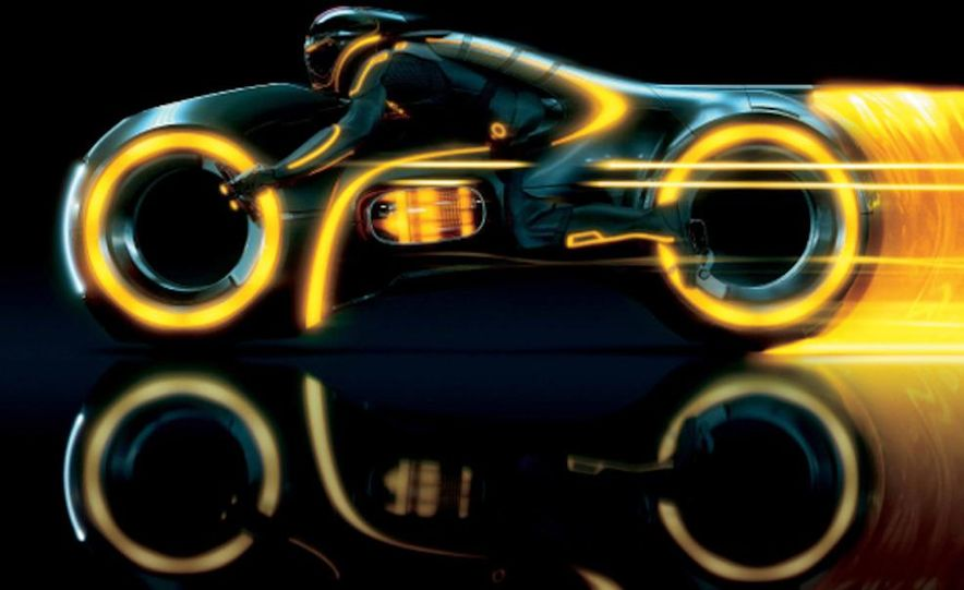 Tron: Legacy Light Runner - Slide 4