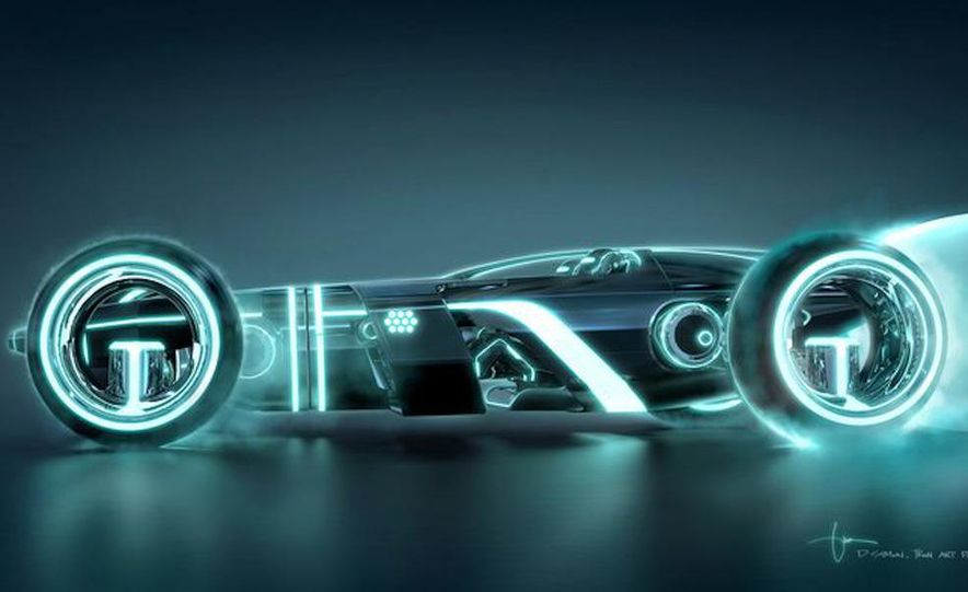 Tron: Legacy Light Runner - Slide 2