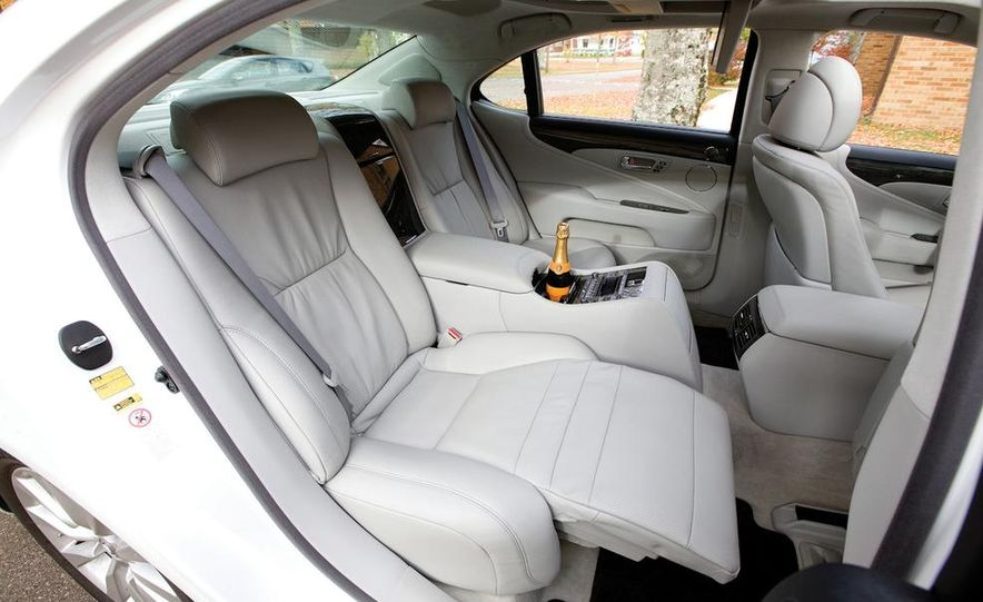 2011 Hyundai Equus and 2010 Lexus LS460L AWD - Slide 14