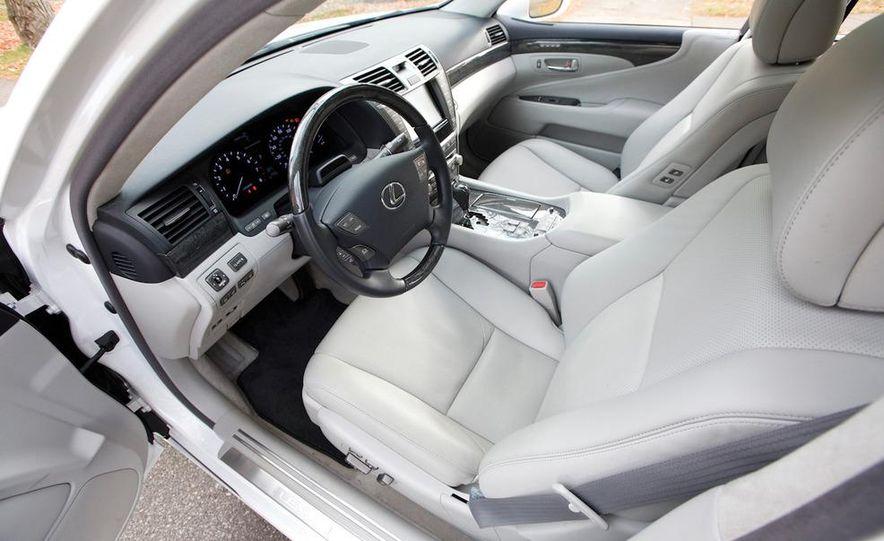 2011 Hyundai Equus and 2010 Lexus LS460L AWD - Slide 15