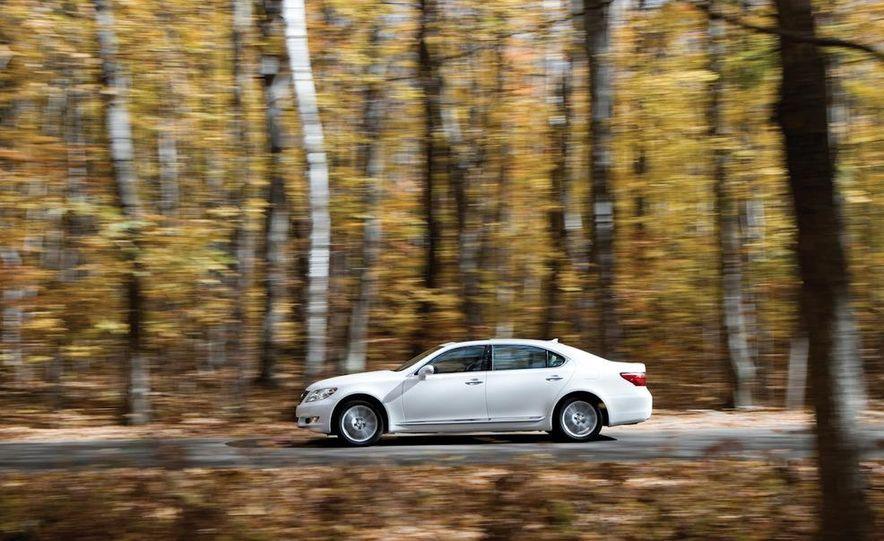 2011 Hyundai Equus and 2010 Lexus LS460L AWD - Slide 7