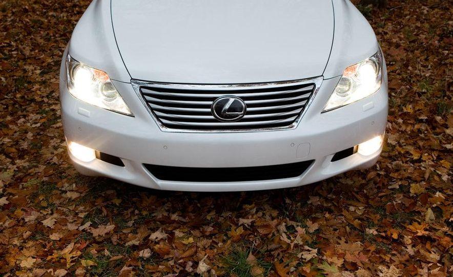 2011 Hyundai Equus and 2010 Lexus LS460L AWD - Slide 9