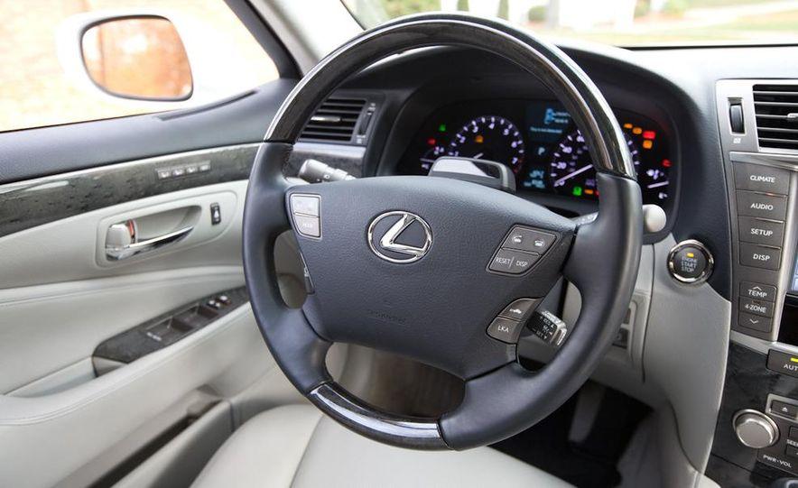 2011 Hyundai Equus and 2010 Lexus LS460L AWD - Slide 17