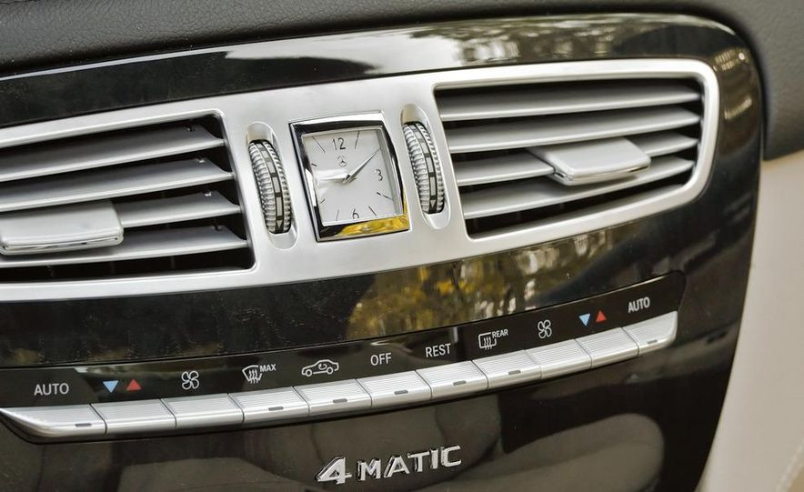 2011 Mercedes-Benz CL550 - Slide 16