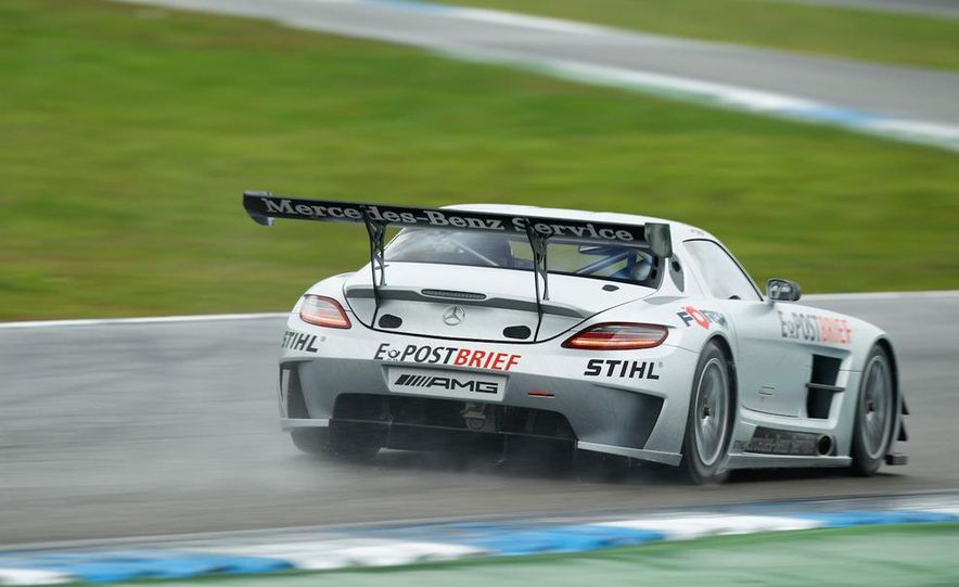 Mercedes-Benz SLS AMG GT3 - Slide 10