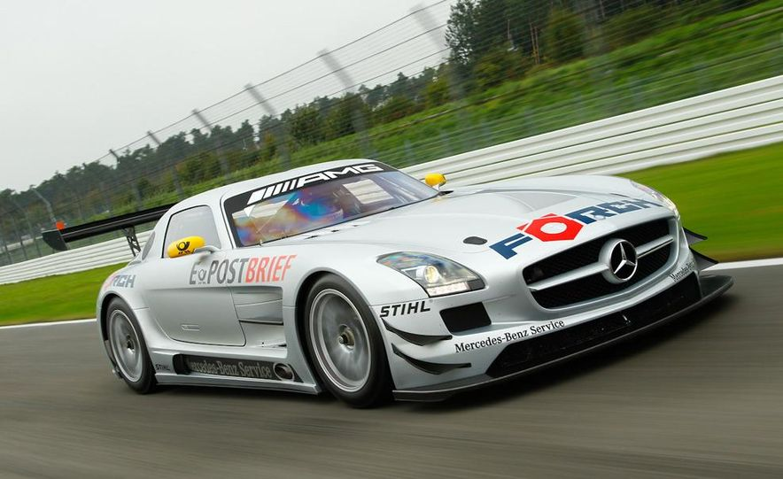 Mercedes-Benz SLS AMG GT3 - Slide 2
