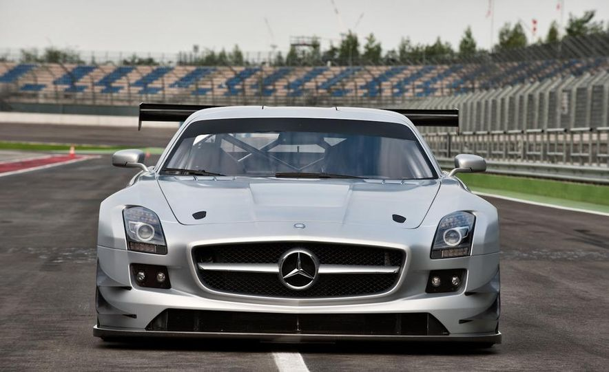 Mercedes-Benz SLS AMG GT3 - Slide 12