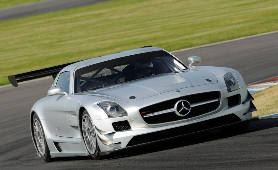 Mercedes-Benz SLS AMG GT3 - Slide 15