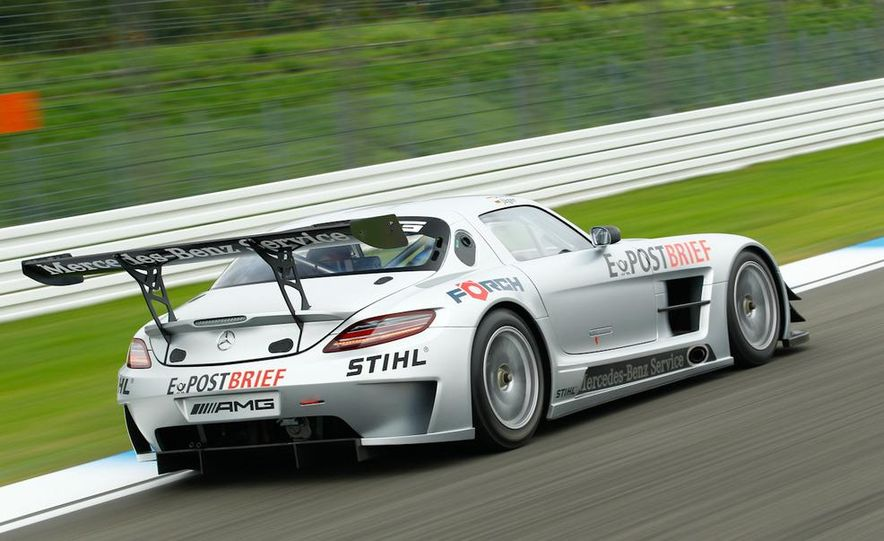 Mercedes-Benz SLS AMG GT3 - Slide 4