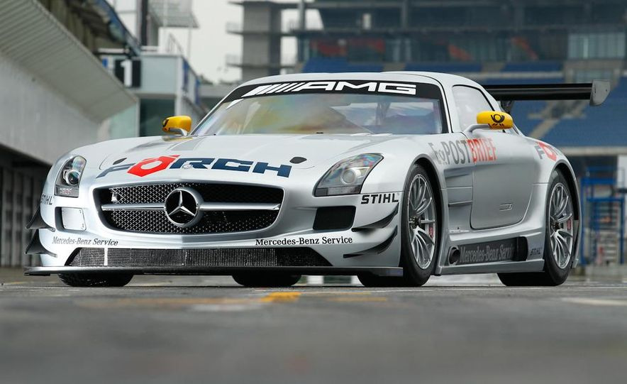 Mercedes-Benz SLS AMG GT3 - Slide 6
