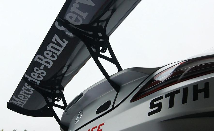 Mercedes-Benz SLS AMG GT3 - Slide 21