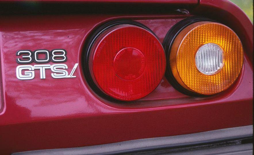 1990 Buick Reatta - Slide 9