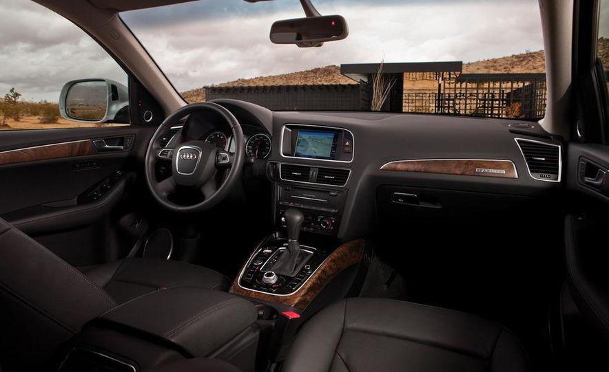 2011 Audi Q5 2.0T Quattro - Slide 21