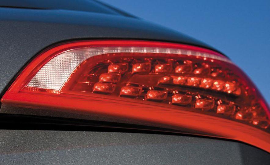 2011 Audi Q5 2.0T Quattro - Slide 17