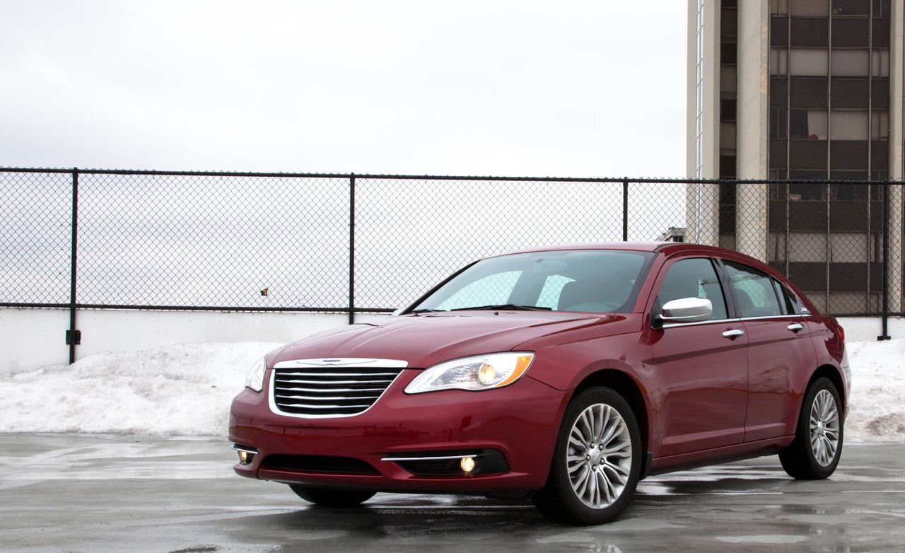 Chrysler 200 v6 review
