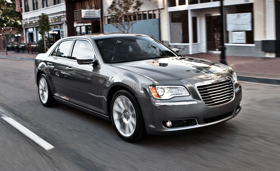 2011 chrysler 300 300c review car and driver. Black Bedroom Furniture Sets. Home Design Ideas