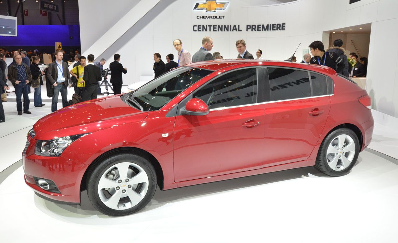 Cruze chevy cruze 2012 : 2012 Chevrolet Cruze Hatchback – News – Car and Driver